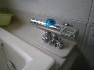 多治見市 浴室水栓取替工事 本体固定後