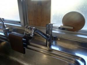 キッチン水栓取替工事 撤去後